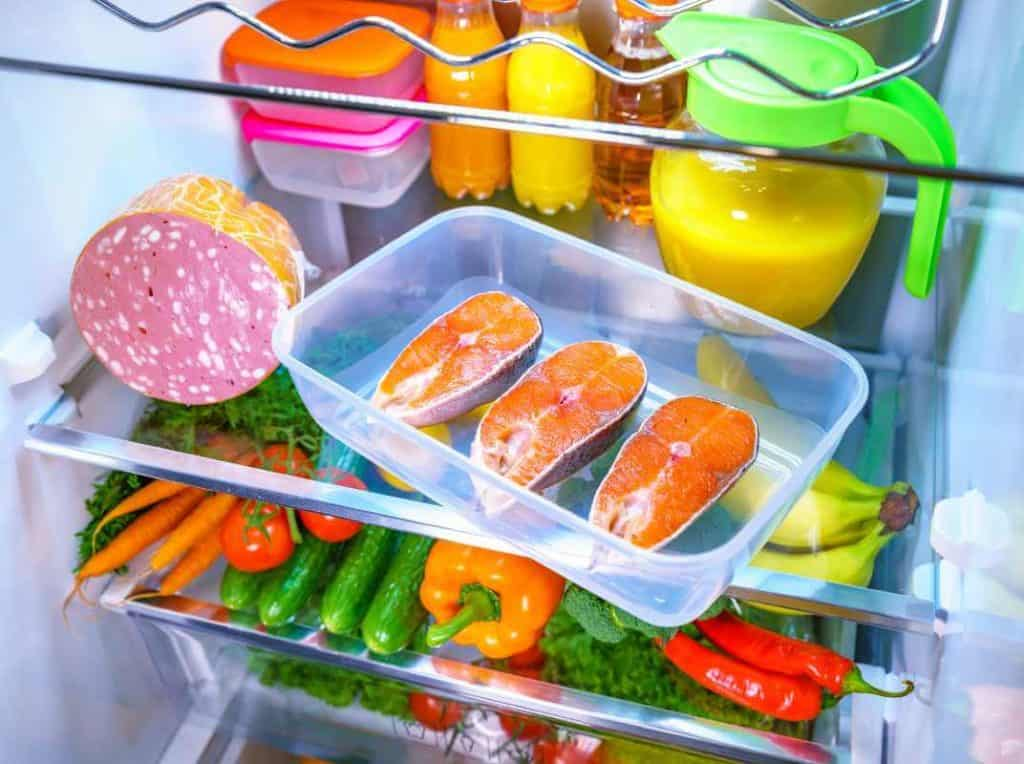 How long can you keep freshly caught fish in the fridge?