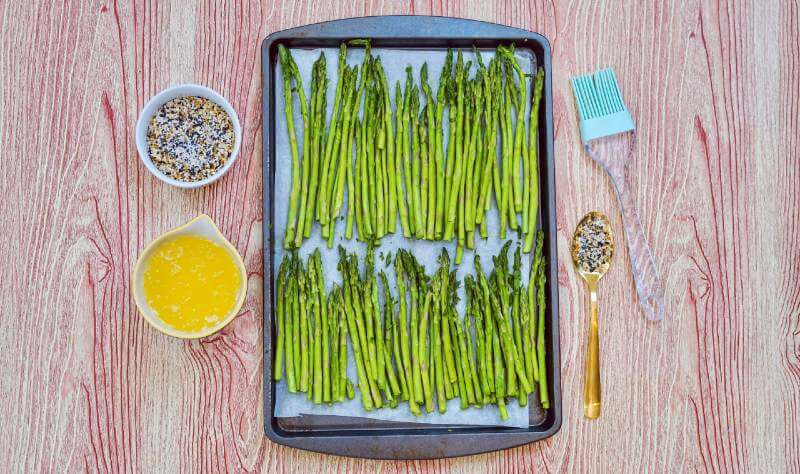 asparagus with ingredients