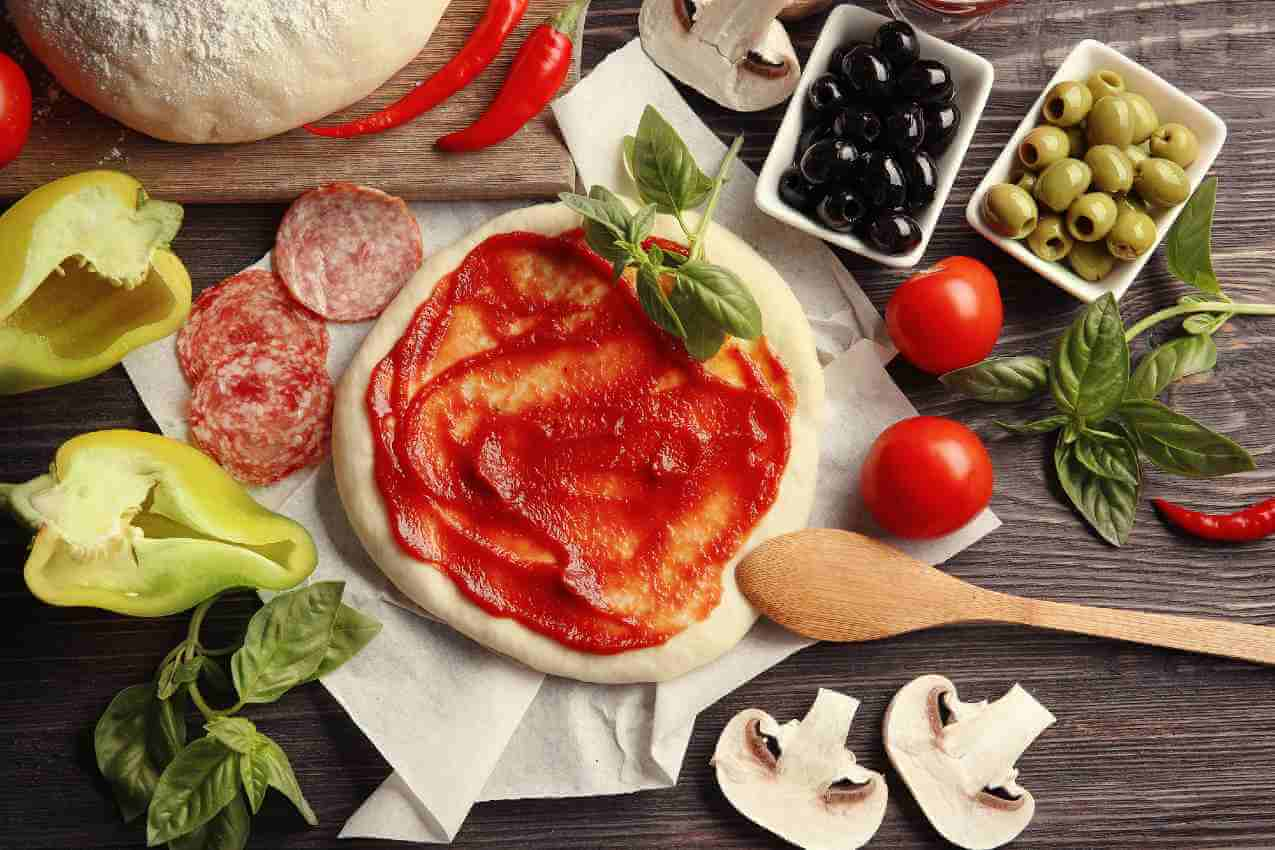 how to make pizza sauce with tomato sauce