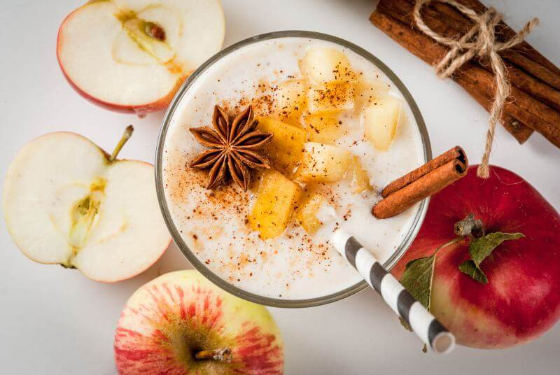 apple with cinnamon smoothie