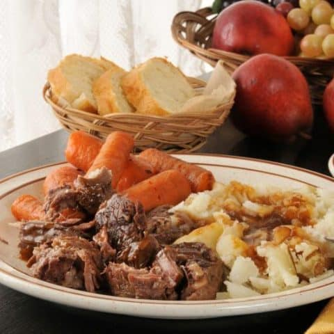 Irresistible Oven-Baked Chuck Roast Recipe