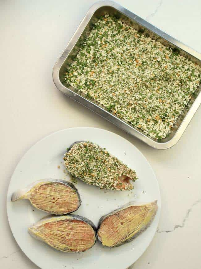 salmon and breadcrumbs mixture