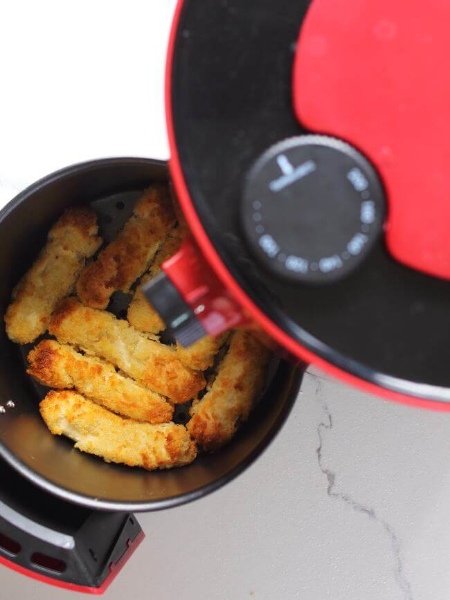Cooked Fish Sticks in Air Fryer