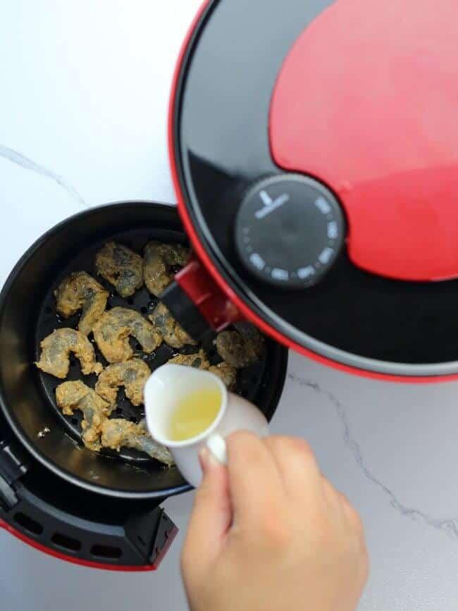 Shrimp drizzle in oil