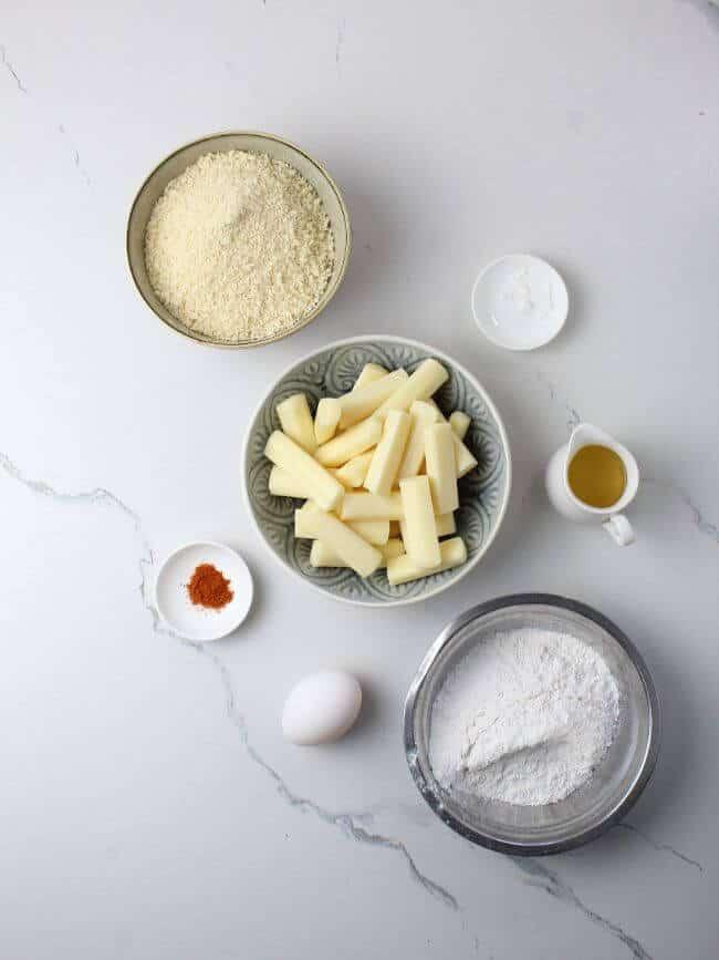 Mozzarella sticks with bread crumbs, flour, oil, egg and seasonings