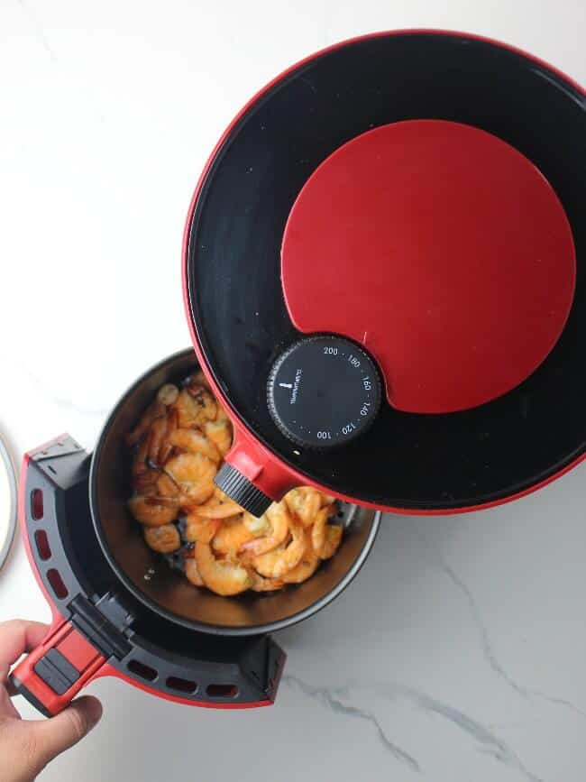 taking cooked shrimp out of air fryer