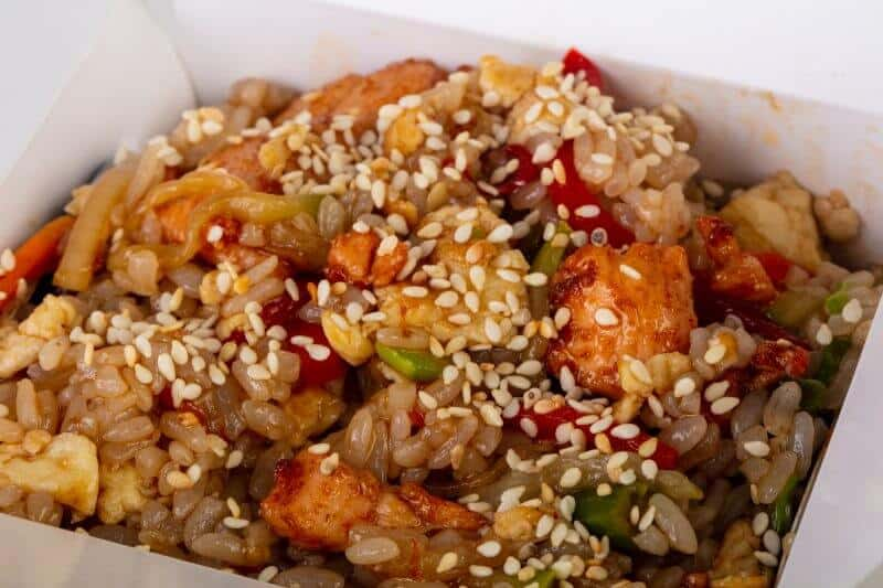 Fried rice with sesame seeds