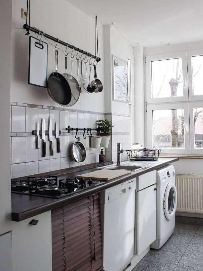 minimalist kitchen set up