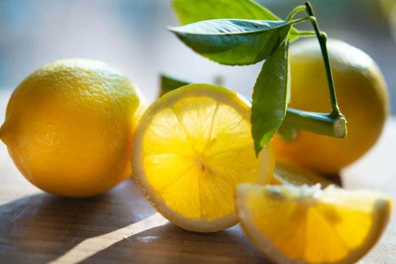 fresh sliced lemons