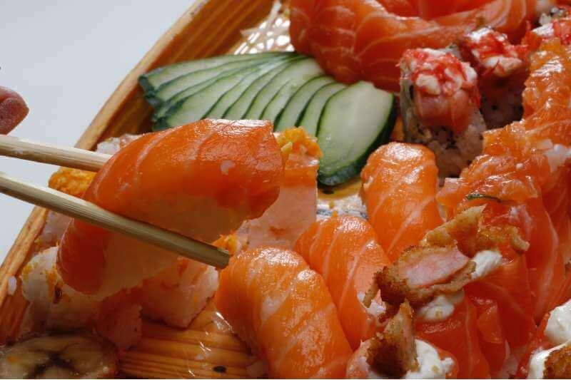 nigiri sushi and veggies